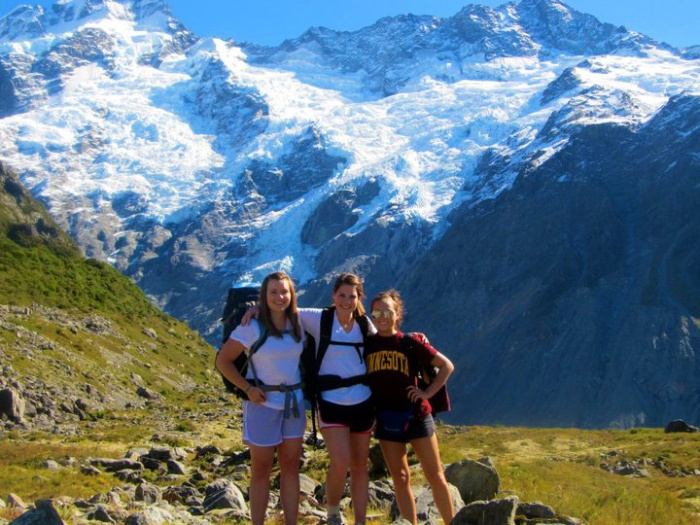 hiking-tramping-mt-cook-new-zealand