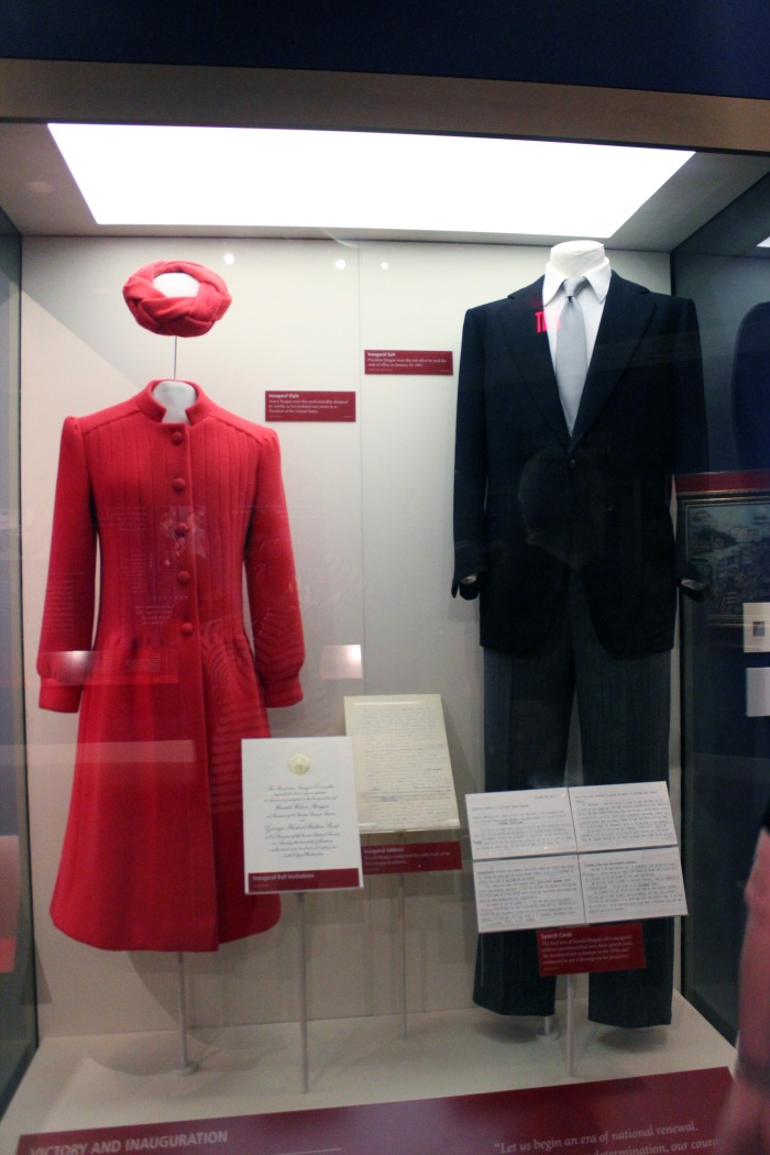 nancy-and-ronalds-inaugeration-clothes-ronald-reagan-presidential-library