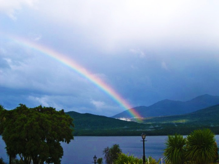 rainbow-in-te-anu-new-zealand