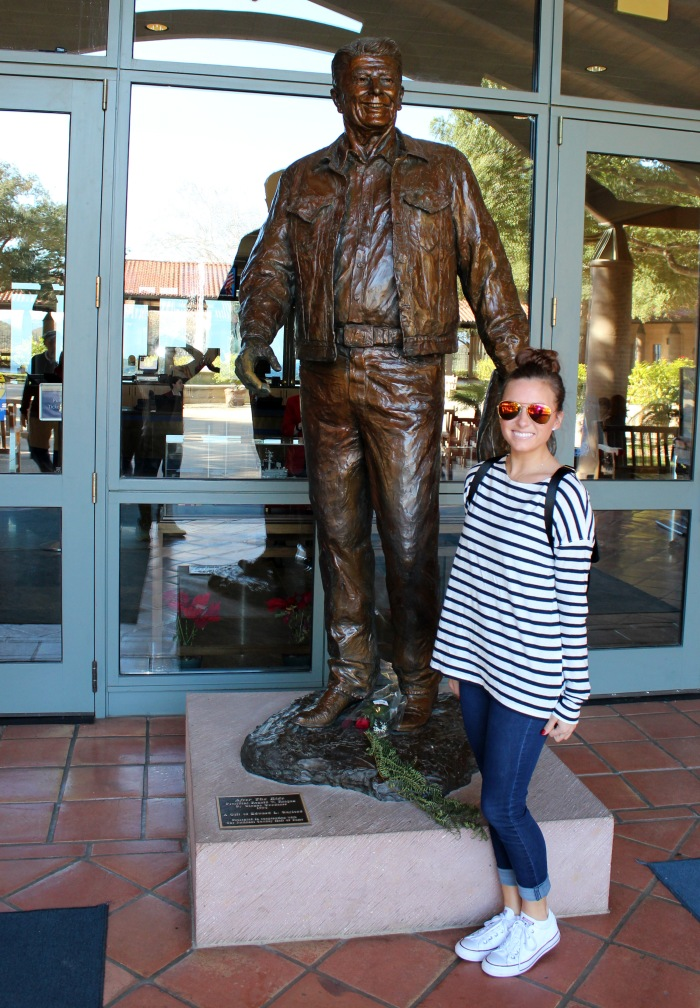 reagan-presidential-library-welcome-statue